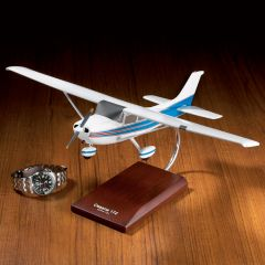 Cessna C-172 Skyhawk Aircraft Model
