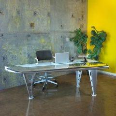 Mad Dog Stabilizer Desk