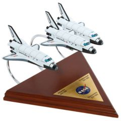Space Shuttle (3 Active) Collection 1/200 (KYNASAO3c) Mahogany Aircraft Model