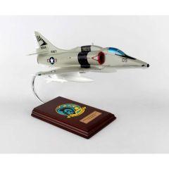 A-4f Skyhawk Navy 1/32 (CA04nte)  Mahogany Aircraft Model