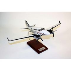 King Air C-90 Gtx 1/32 (KC90gtr) Mahogany Aircraft Model