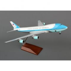 Skymarks Air Force One VC25 1/200 W/Gear & Wood Stand